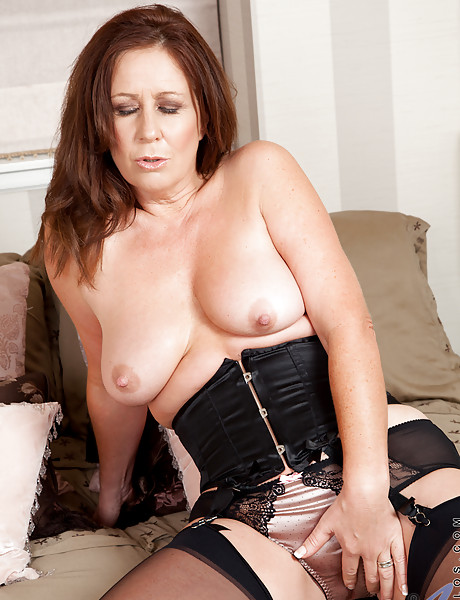 Lingerie mature stockings sexy pics #12