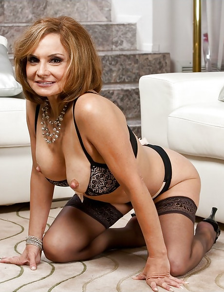 Classy mature wife takes her clothes off and gets rammed hard in black stockings.