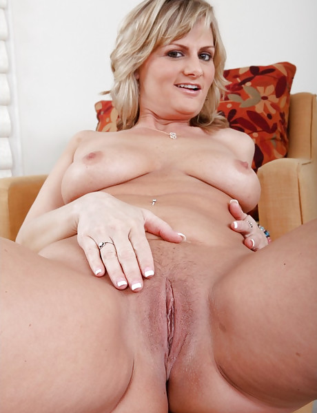 Totally naked milf spread sorry, that