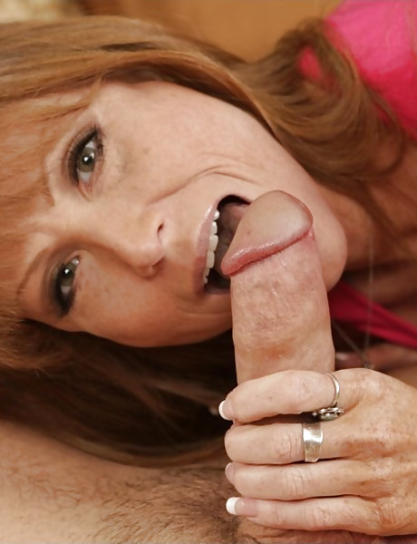 Alluring mature housewife takes her dress off and slurps on large fat schlong.