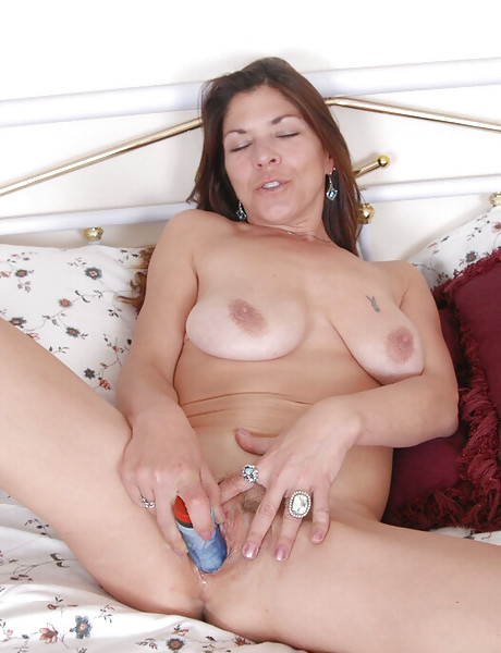 hot mom big ass hot pussy chain