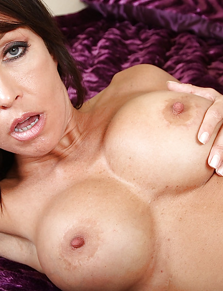 Beauiful and amazingly sexy MILF babe gets naked and gets her pussy fucked real hard