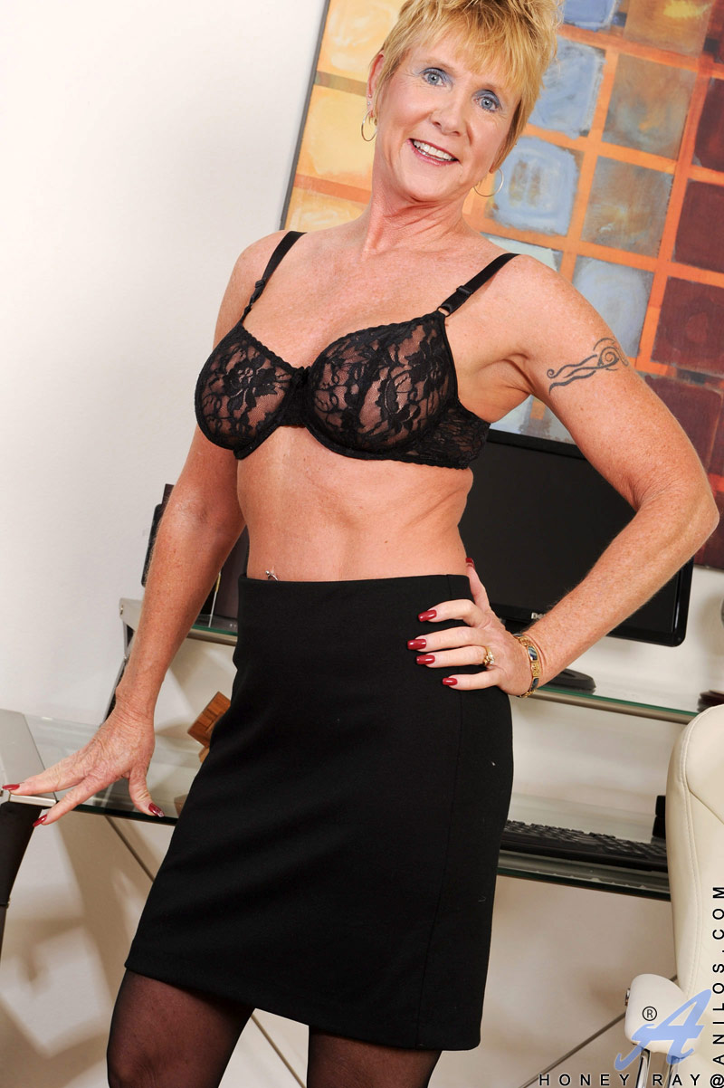 G mature string milf