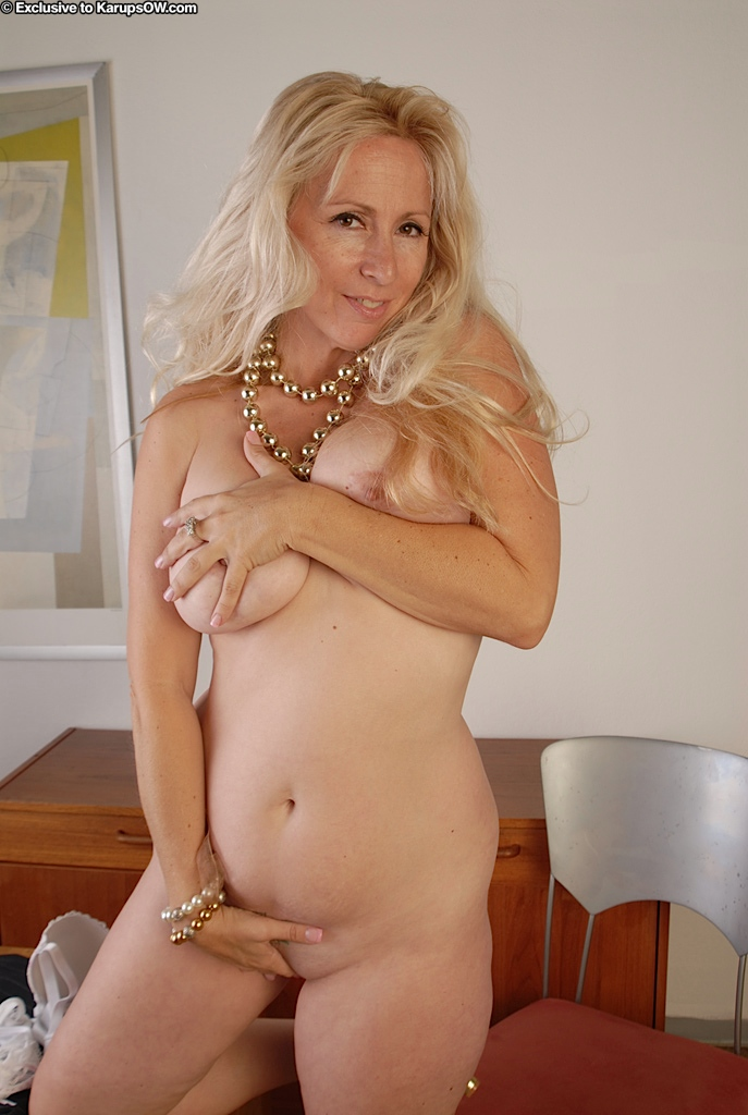 Unexpectedness! Blonde showing shaved pussy exist? remarkable