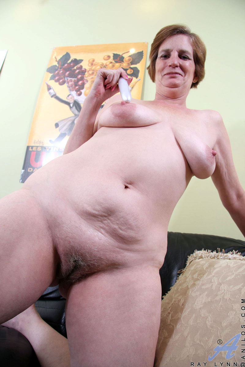 naked granny with saggy boobs