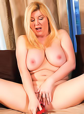 Sexy mature blonde with a soft curvy body and big beautiful saggy tits masturbating