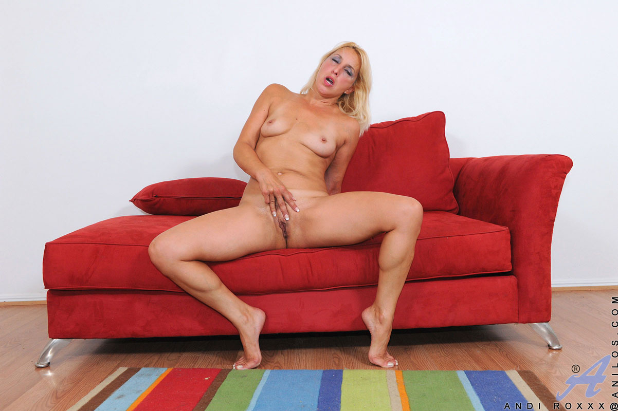 Pussy on couch blonde fingering