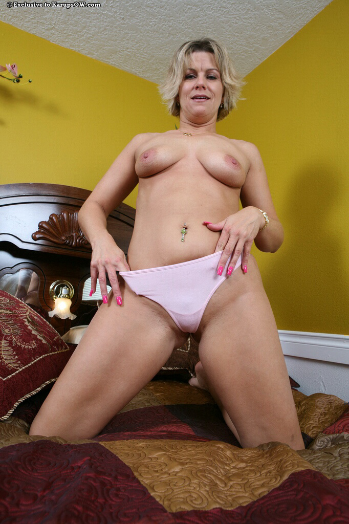 Horny Granny With A Sweet Shaved Pussy Stripping And Fingering Het Wet
