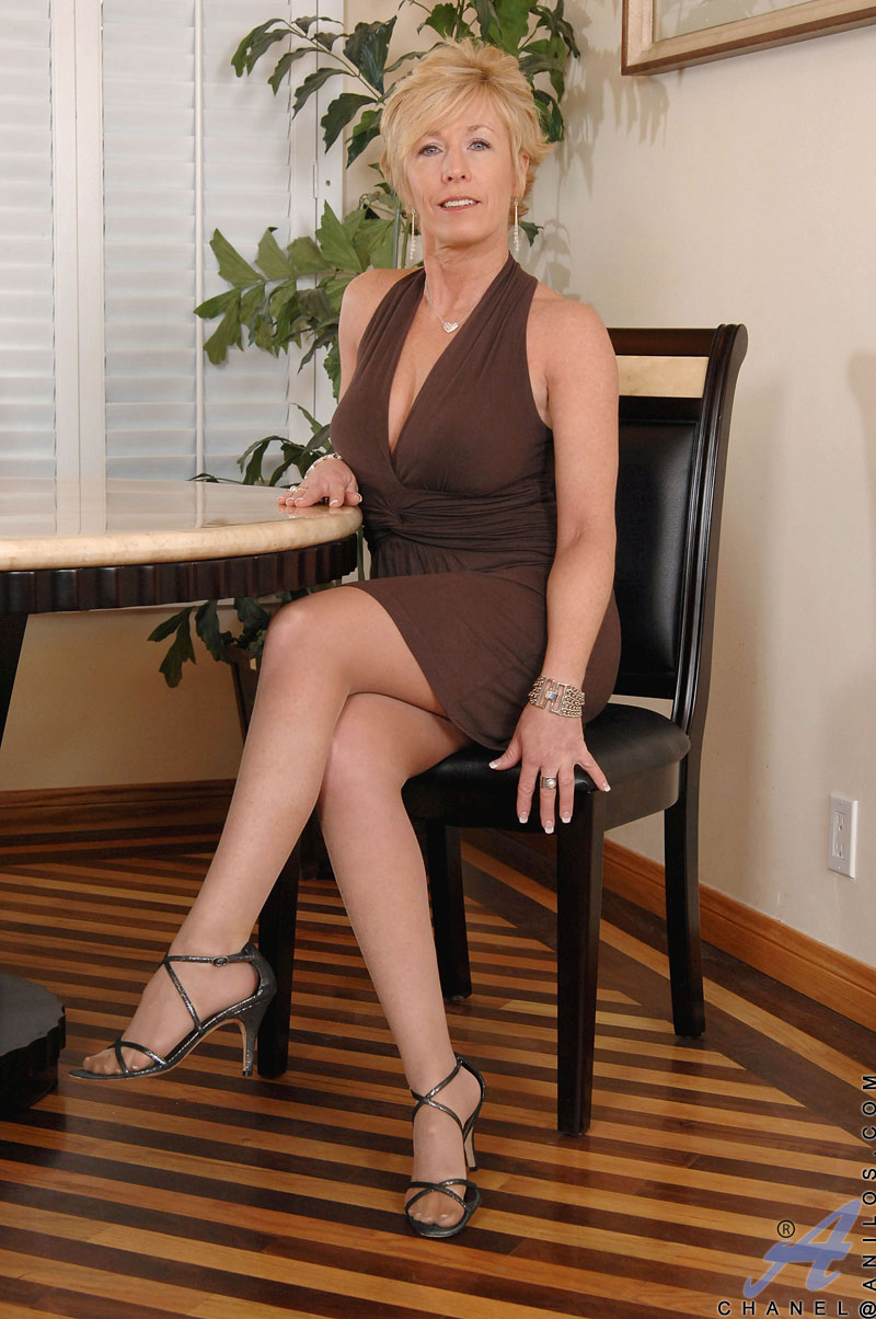 milfs Dresses mature