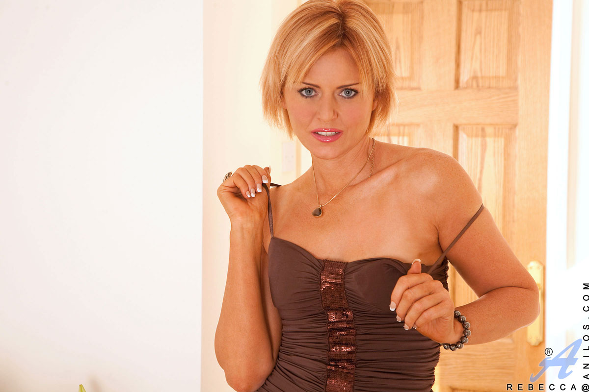 Mature blonde her dildo and girl #14