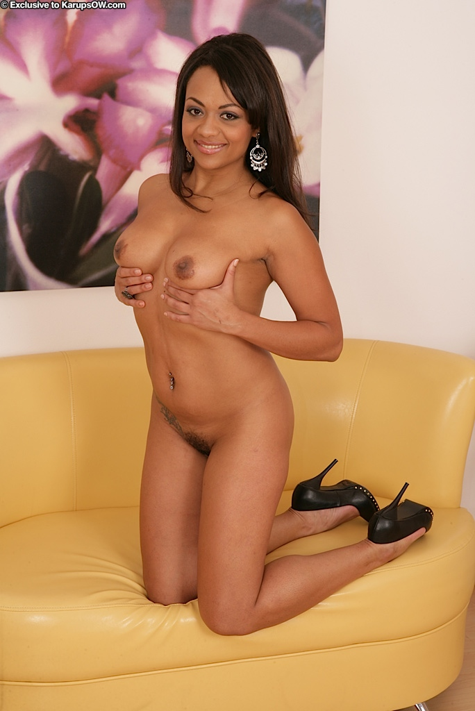 image Exotic beauty gets her brown snatch filled good