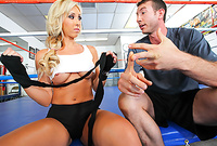 Jessica Lynn shows us her amazing big jugs and pleases her hung lover with an incredible blowjob