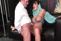 Lisa Ann shows us her amazing big jugs and screams while she gets her pussy nailed hard and fast