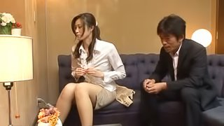 Oily Masseuse Arisa Miyuki gives enormous pleasure to a guy