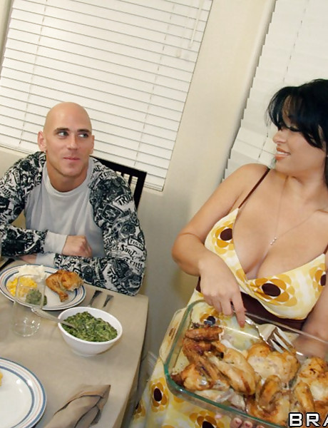Big breasted MILF lady takes her sexy dress off and shows us her huge big jugs