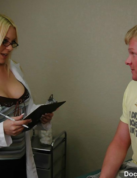 Good looking busty doctor takes her lace panties off and fucks with a hung stud.