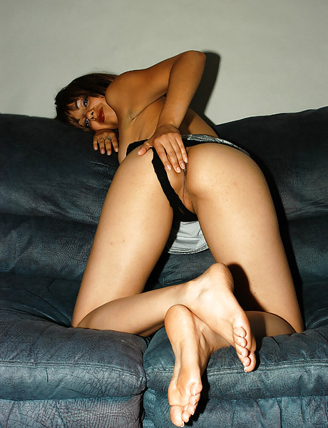 Horny tanned brunette momma with hot ass and nice tits revealing slippery shaved twat