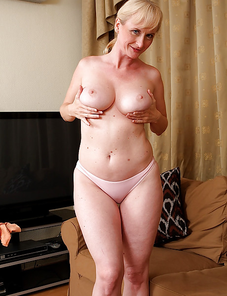 Naked grandma with big boobs