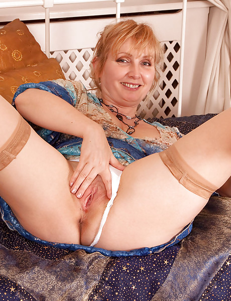 Mature granny pussy pictures