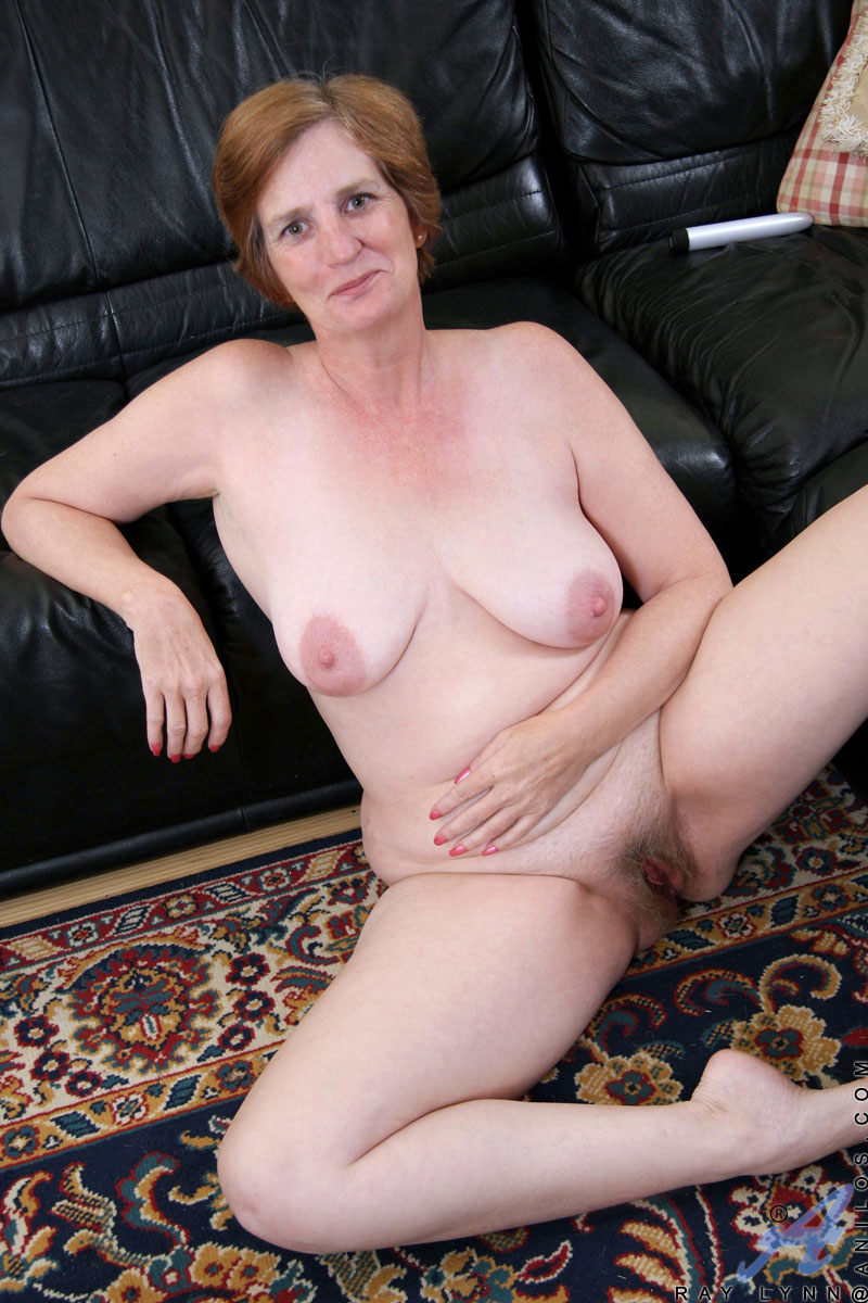 Horny Granny With A Soft Mature Curvy Body And Saggy Boobs -9773