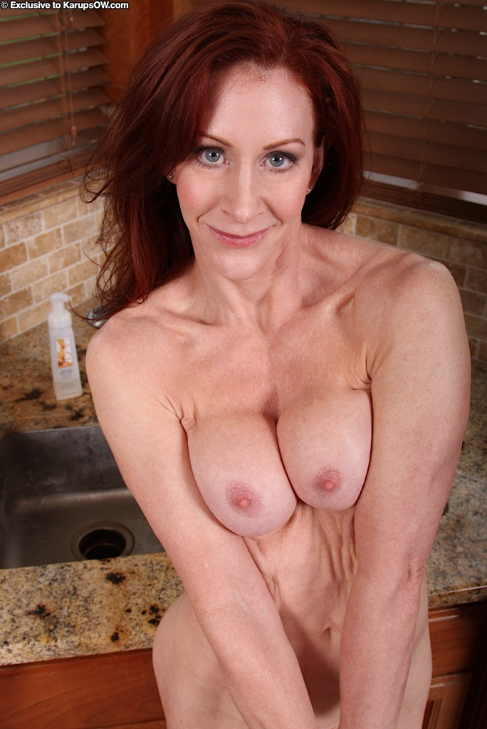 Sexy ginger woman stacked milf — img 8