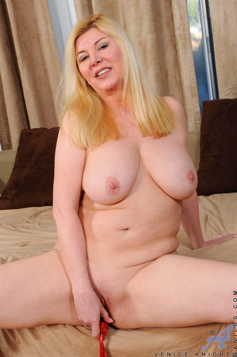 Busty horny mature fucks her therapist vicky vette - 3 part 6
