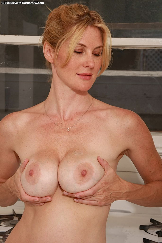 smiling naked milfs boobs
