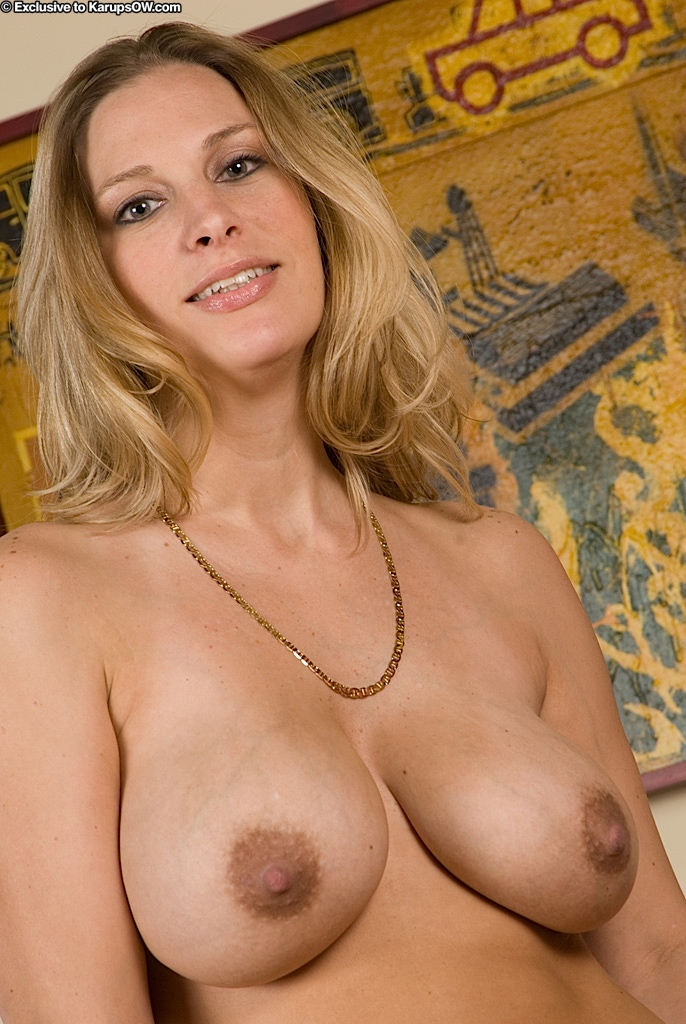 Blonde milf saggy tits