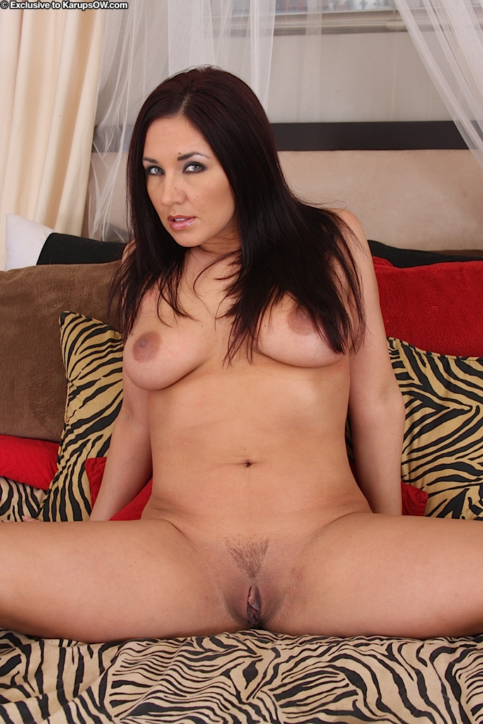 Solo Naked Pussy
