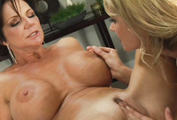 Deauxma and Samantha Ryan shows us her their amazing MILF bodies and have intensive, hardcore sex for the camera