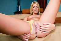 Riley Rey spreads her sexy legs for the camera and gets her tight muff drilled by throbbing piece of hard wood