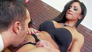 black milf licking pussy till she squirts